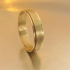 14k yellow solid gold wedding ring for men.